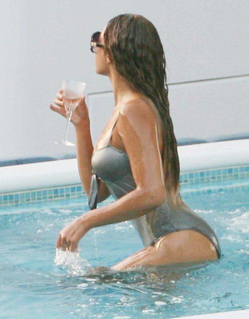 Drake – Girls Love Beyonce